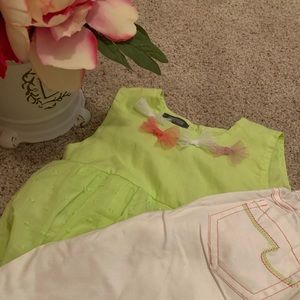 NWT Kenneth Cole Girl 2PC Set (24 months).